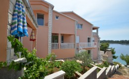 korcula-karbuni-apartments-morskavila-house-18