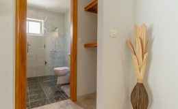 morska-vila-apartment-5-hallway-02