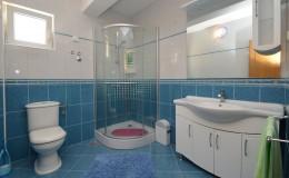 morskavila-apartment1-bathroom-01