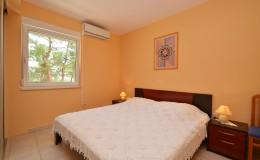 morskavila-apartment1-bedroom-01