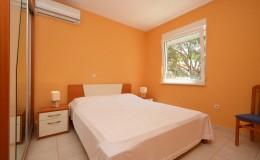 morskavila-apartment1-bedroom-02