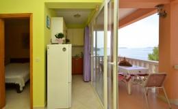 morskavila-apartment1-kitchen-01