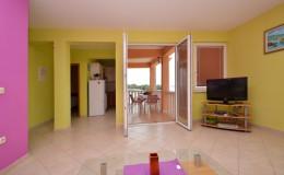 morskavila-apartment1-livingroom-01