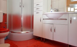 morskavila-apartment2-kupatilo-01