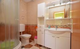 morskavila-apartment3-bathroom-01