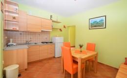 morskavila-apartment3-kitchen-01
