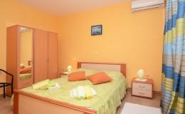 morskavila-apartment4-bedroom1-01