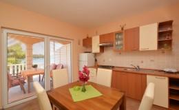 morskavila-apartment4-kuhinja-03